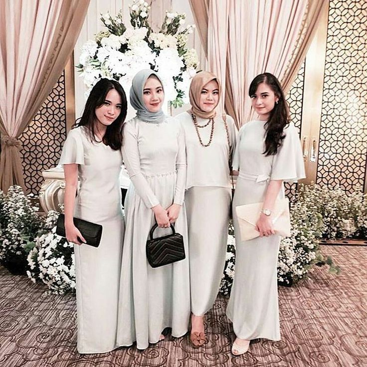 "4,920 Likes, 28 Comments - ide nikah (@idenikah) on Instagram: ""A group of bridesmaid group all wrapped up in soft colored dresses! Sweet and elegant at the same…"""