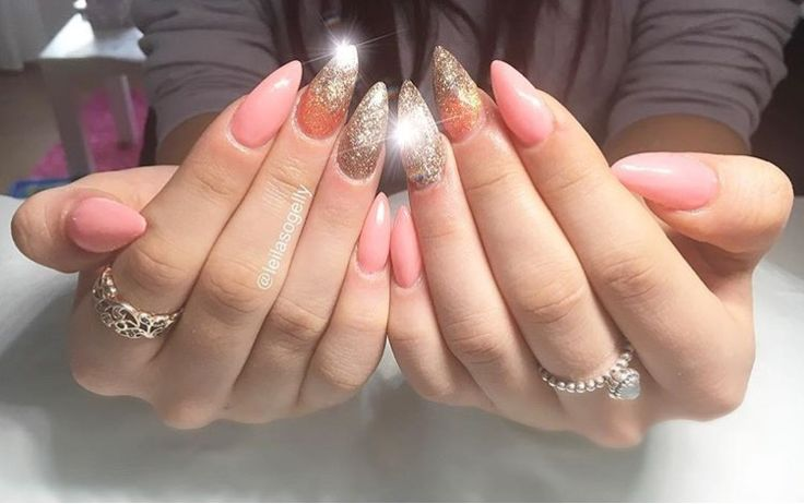 Acrylics for summer ♥️ #glitter #pink #rosegold #stiletto #nail #ombre #sparkles #long #acrylics