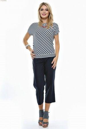 Tinuta bluza dungi alb/navy si pantalon drept 7/8.