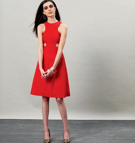 Vogue Patterns V8900   Een perfecte kopie van de Carven Spring/Summer 2013 cut out jurk