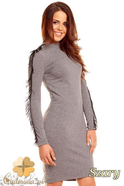 Elegancka sukienka kobieca z frędzlami na ramionach marki NOMMO.  #cudmoda #moda #styl #ubrania #odzież #sukienki