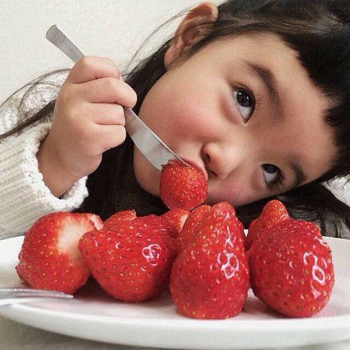 fraises pour le Saint valentin <3                                                                                                                                                                                 Mais