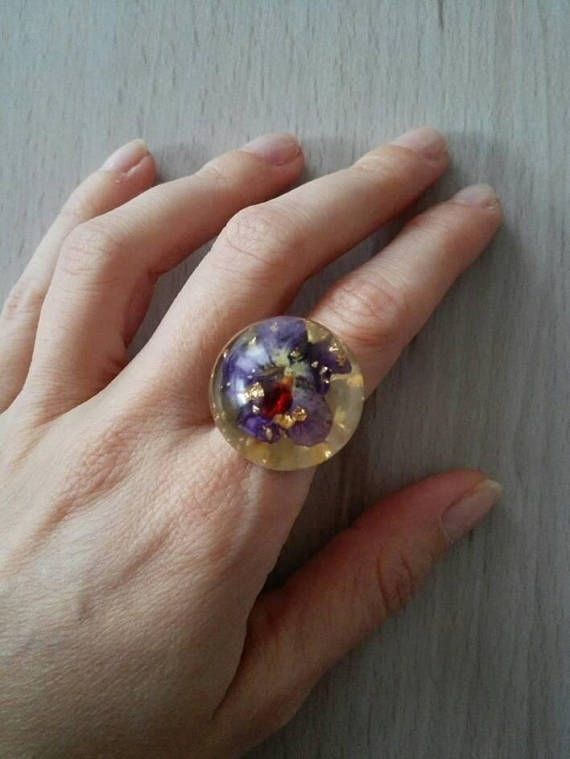 Flower orb ring. Unique adjustable Statement resin ring. Real violet ring. Real dried pansy ring. Gold flakes ring. Thoughtful gift for her by MyJewelsGarden Flower Jewelry by Myjewelsgarden