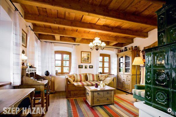 A pilisi hegyek lábánál - Szép Házak
