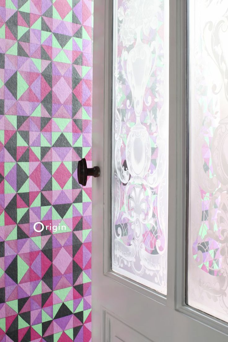 silk pinted non-woven wall covering cubism pink and green. Collection Mariska Meijers, Origin - luxury wallcoverings.