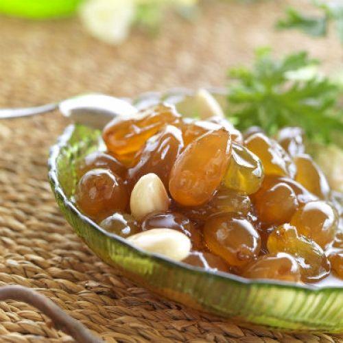 Γλυκό του κουταλιού σταφύλι / Grape spoon sweet.