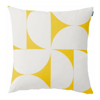 With its simple graphic pattern and cheerful sunny colourway, Spira's Svante cushion will add a fresh Scandinavian look to any room. Svante is a slightly larger cushion that is ideal for layering.