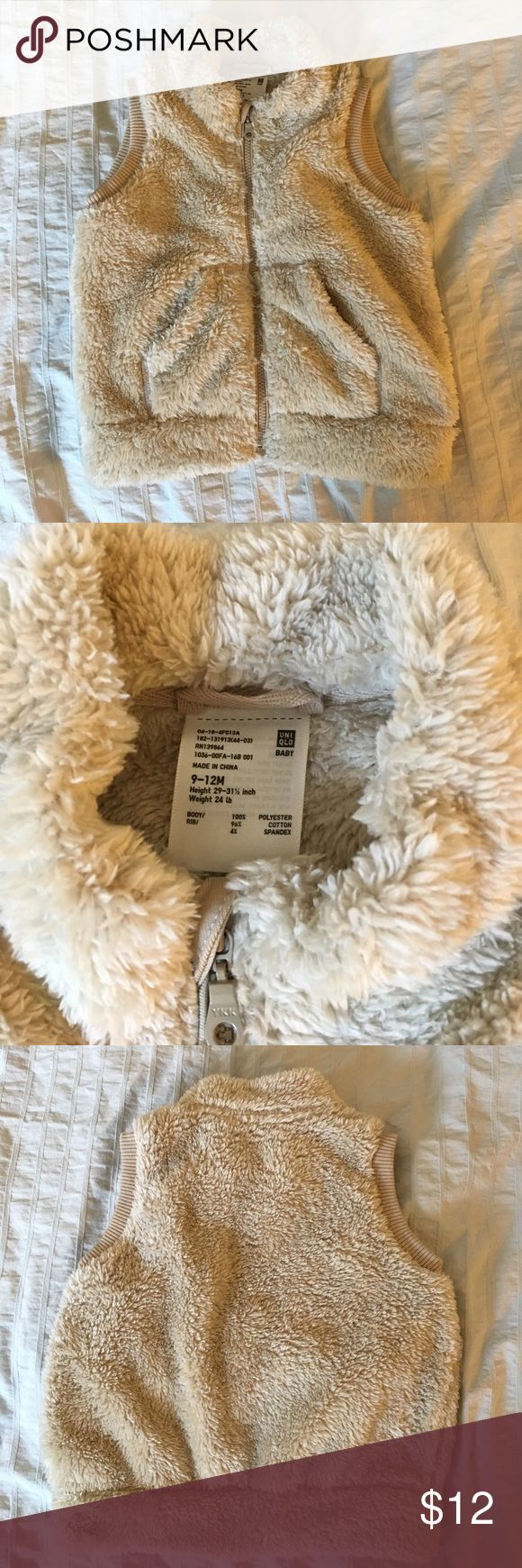 """Uniqlo baby cream furry vest with pockets Uniqlo baby cream or light tan zip front vest with pockets. 9-12 month size (29-31.5"""", 24 lb). Worn twice and in excellent condition. Uniqlo Jackets & Coats Vests"""