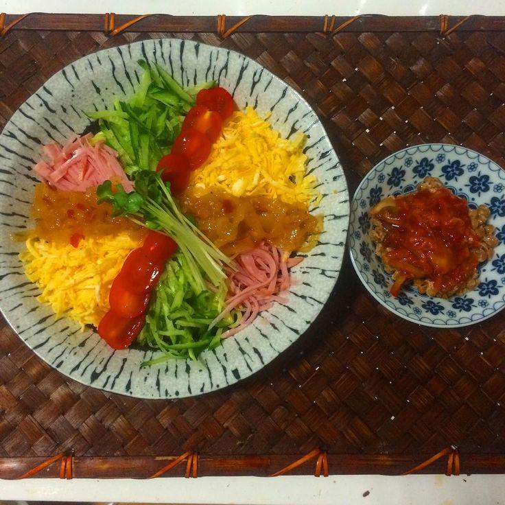 ブランチは冷やし中華用の蒟蒻麺がまだ1つ残っていたので今年最後の冷やし中華にしました . . 蒟蒻麺の冷やし中華 キムチ納豆 . . #food #foodie #foodies #eating #ダイエット #蒟蒻麺 #冷やし中華 #うちごはん #ブランチ #foodgasm #おうちごはん #foodpics #cooking #homecooking #instafood #ローカーボ #lowcarb #Japanesefood #糖質セイゲニスト #糖質制限 by ruka_bintang