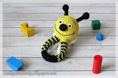 http://lalkacrochetka.blogspot.com/2017/01/baby-converse-and-rattle-bee-dzieciece.html