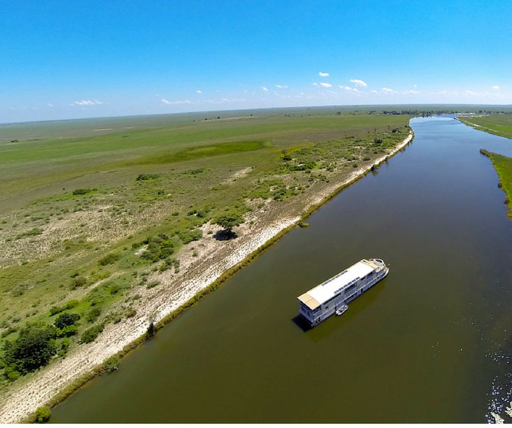 #DidYouKnow: The Chobe River is one of the few rivers in the world that flows both ways. Whichever way it flows, we go with it. #TravelTuesday #FunFacts #ZambeziQueen