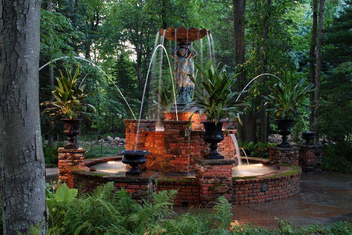 I love fountains