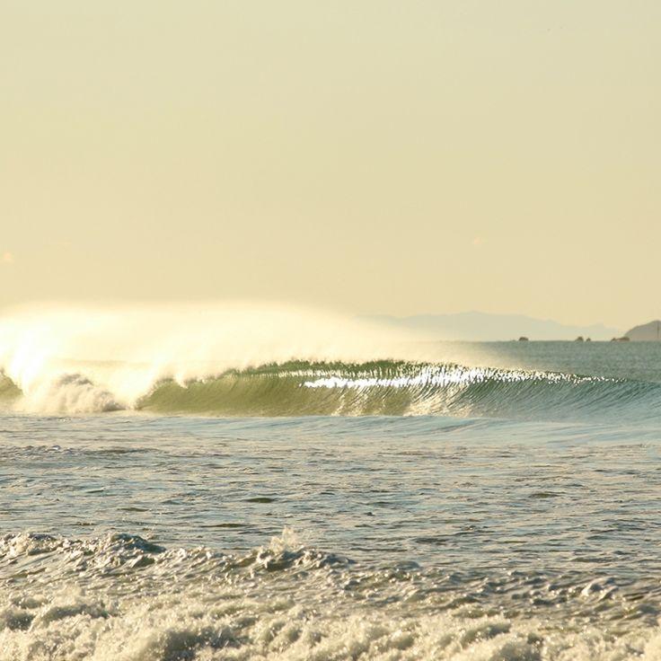 empty wave #wave #surf #newzealand #surfing