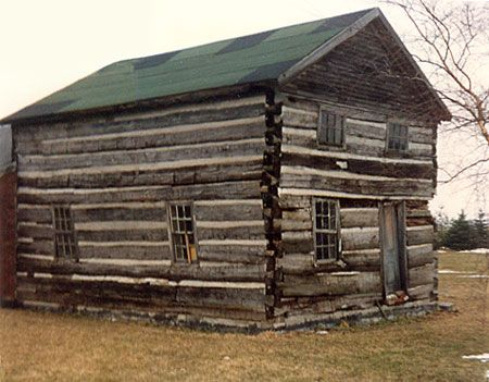 896 best images about log cabins on pinterest cabin for Simple log cabin homes