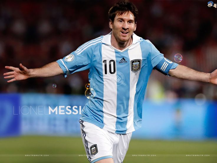 lionel messi! sin dudas el mejor jugador de futbol de todos los tiempos!