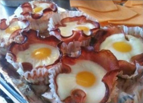 Egg & bacon cupcakes - Bacon precooked soft or canadian baccon. Bake at 400, 15 mins. Top w/cheese, herbs, spinach
