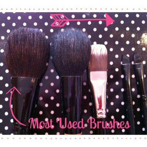 How to... clean make up brushes