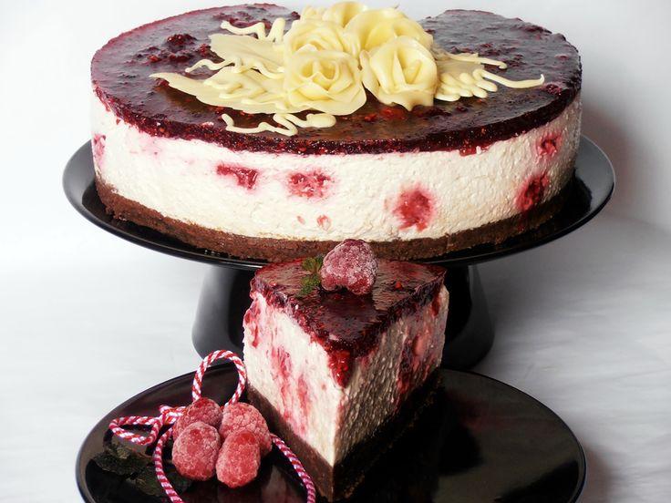 Tort racoros cu zmeura si iaurt
