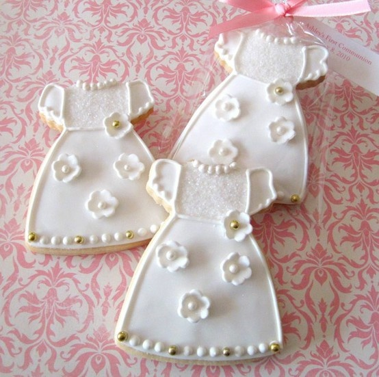 first communion cookies...can i make something like this???