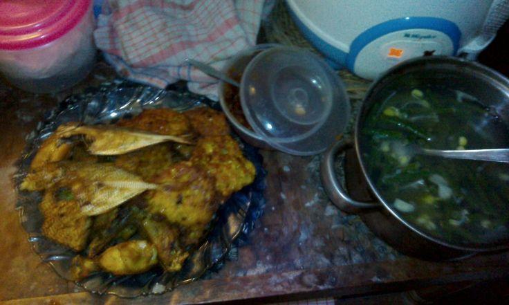 Sayur Asem, Dadar Jagung, Ikan Asin plus Sambel - http://papuja.ml/sayur-asem-dadar-jagung-ikan-asin-plus-sambel