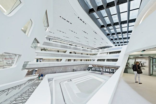 Library learning center vienna university of economics for Zaha hadid vienna