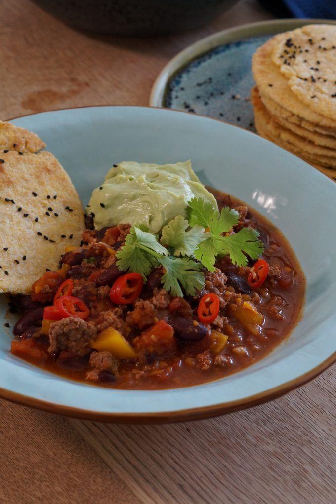 En dejlig varm krydret omgang chili con carne, simpel og let simremad som varmer i hele kroppen