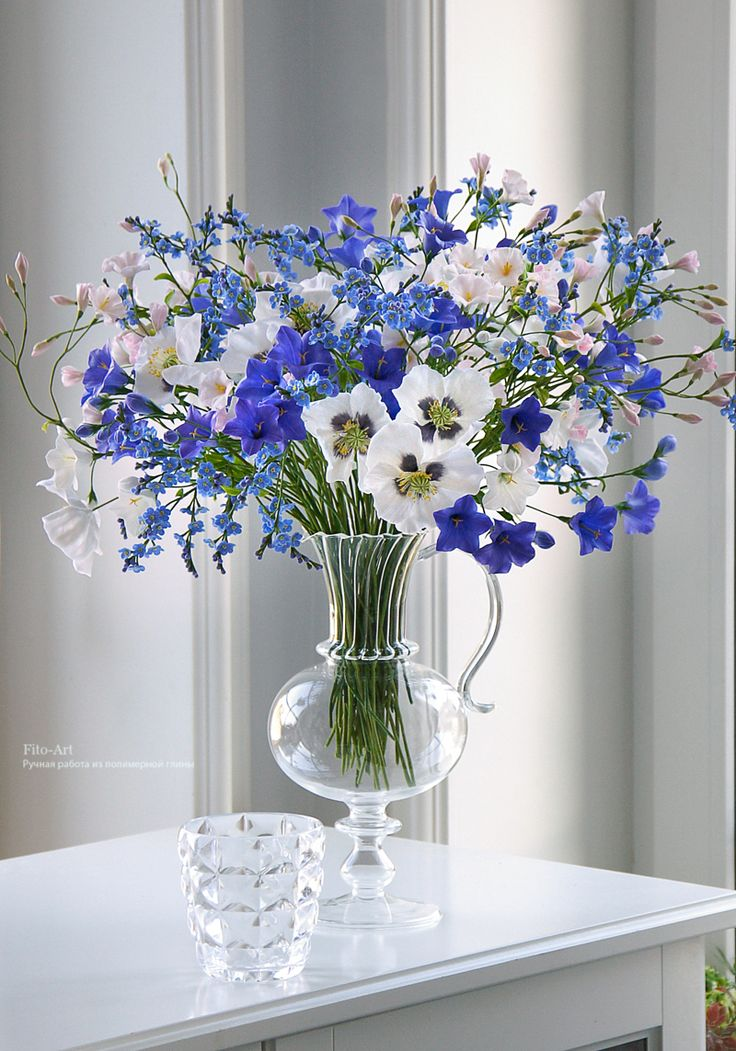 Композиции : Букет бело-голубых цветов. Керамическая флористика. - Fito Art