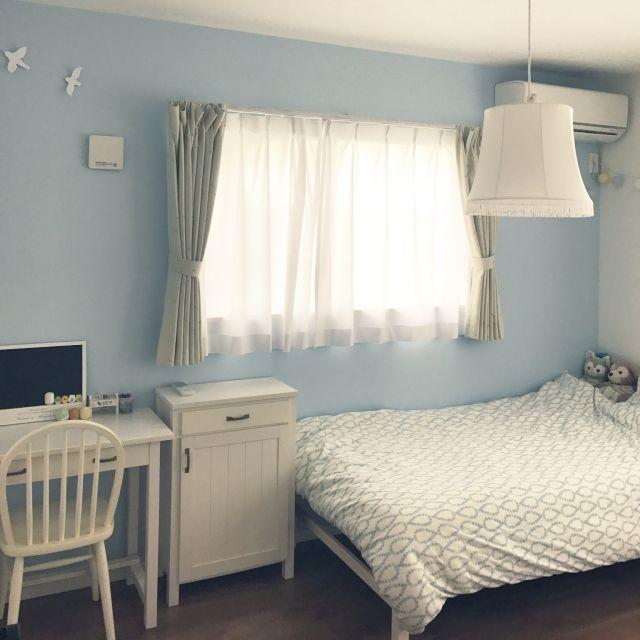 nobupacaさんの、水色,アクセントクロス,子供部屋,モモナチュラル,白い家具,バードウォールデコ,部屋全体,のお部屋写真
