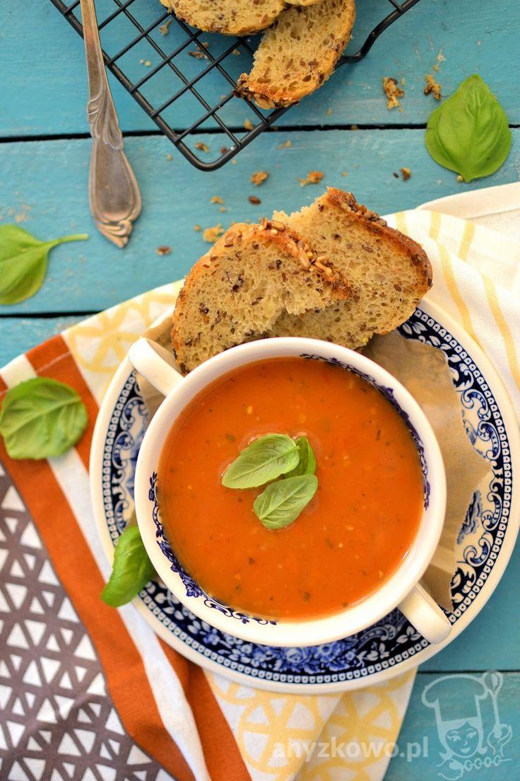 Kremowa zupa pomidrowa z cukinią