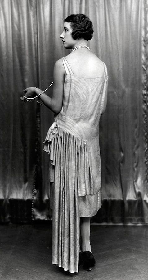 Back view of a 1927 dress by Paul Poiret.