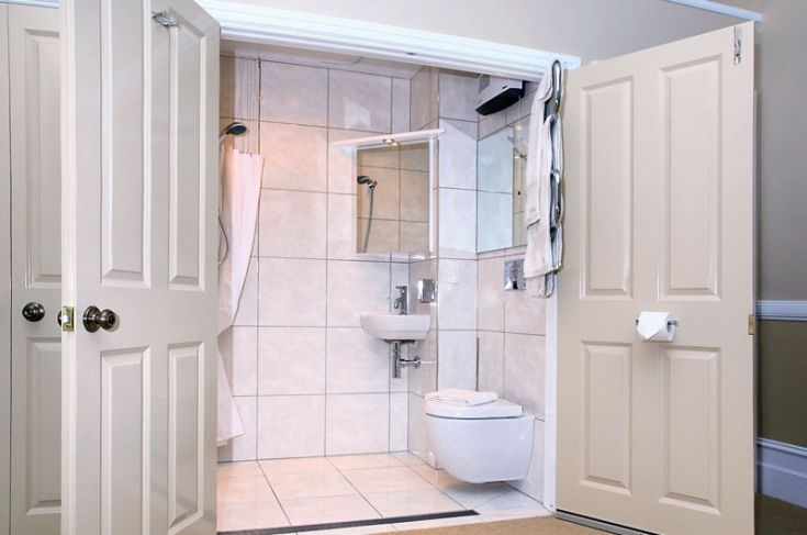 Best Small Bathroom Layouts | smaller bathrooms and ensuites are definitely becoming more common and