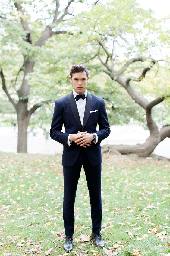 Pour sublimer la tenue de mariage du marié, ne cherchez plus ! Découvrez nos 7 idées favorites d'accessoires.