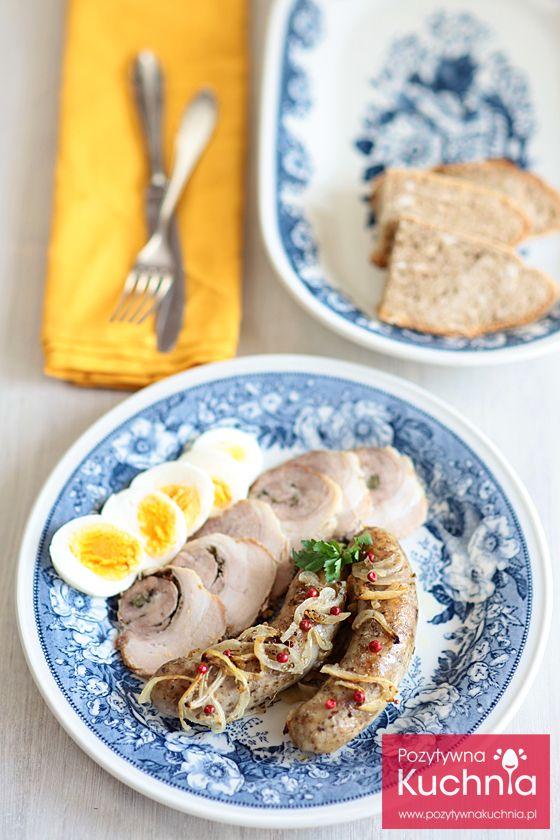 Biała kiełbasa pieczona z cebulą - #przepis na #sniadanie na #wielkanoc…