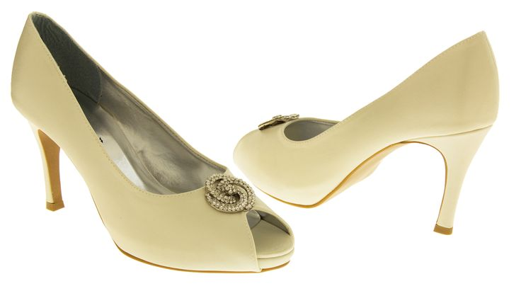 Silver Frost Satin concealed platform peep toe wedding shoes with large brooch QlOho9