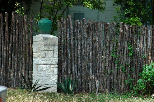27 best images about privacy in the yard on pinterest for Creative privacy fence ideas