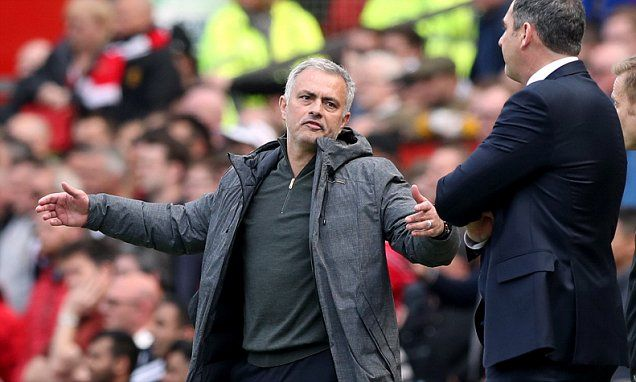 Mourinho should not complain about Man Utd fixture list: Carragher