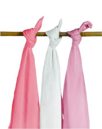 Jollein муслиновые 115х115 см 3 шт. фуксия-розовая-белая  — 1890р.  Комплект пеленок 115х115 см 3 шт. Jollein сделан из мягкой дышащей ткани - муслина. Пеленки идеально подойдут для каждодневного использования: во время кормления, переодевания, в качестве легкого одеяла или накидки.