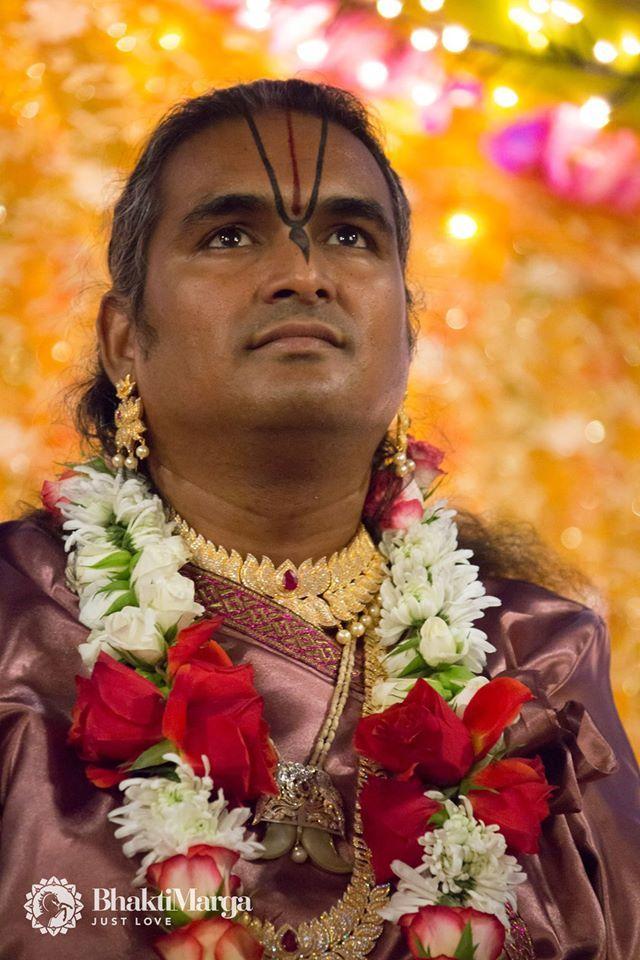 Paramahamsa Sri Swami Vishwananda ❤️ Love is the greatest form of prayer. ❤️ enlightened spiritual master, beloved Guruji bhakti marga atma kriya yoga Парамахамса Шри Свами Вишвананда Ом Намо Нараяная Om Namo Narayanaya Нараяна Narayana Giridhari Giridhariji Krishna Thakur Thakurji Murali Manohara darshan Ashram Shree Peetha Nilaya Springen, Germany