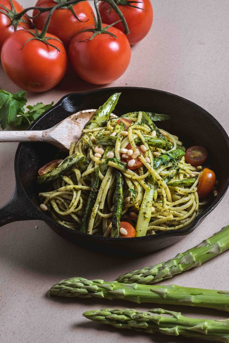 Linguine with homemade Pesto by Spizza, Singapore.  #pasta #linguine #pesto #italianfood #spizza #singapore #italian #spaghetti #asparagus #foodphotography #foodstyling