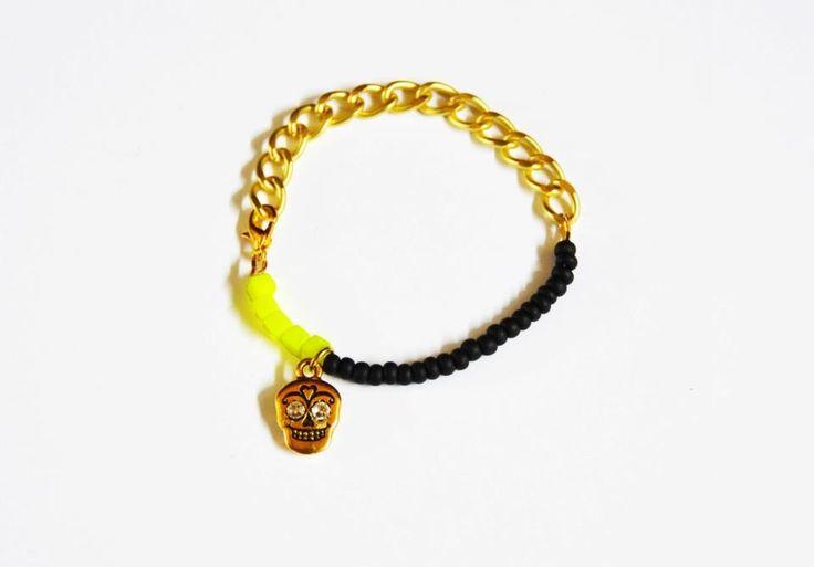 Gold skull -neon