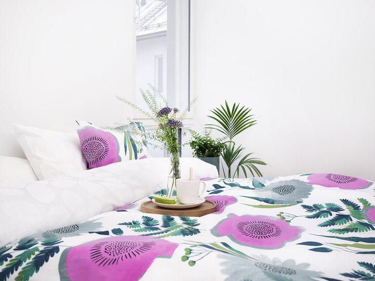 Suvi bed set by Vilma Pellinen, Ajaton tableware by Vallila Design Studio