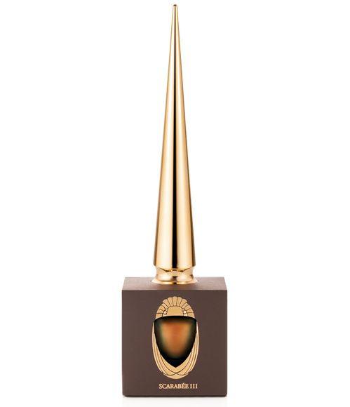 Vernis à ongles pour l'été : Scarabée 3 de Louboutin, flacon pointu http://www.vogue.fr/beaute/shopping/diaporama/les-20-couleurs-de-vernis-de-lt/21162/carrousel