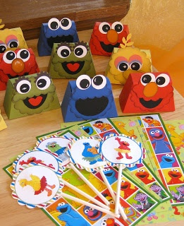 Sesame Street Birthday Party Favors. Made with the petite purse big shot die available through Stampin Up!