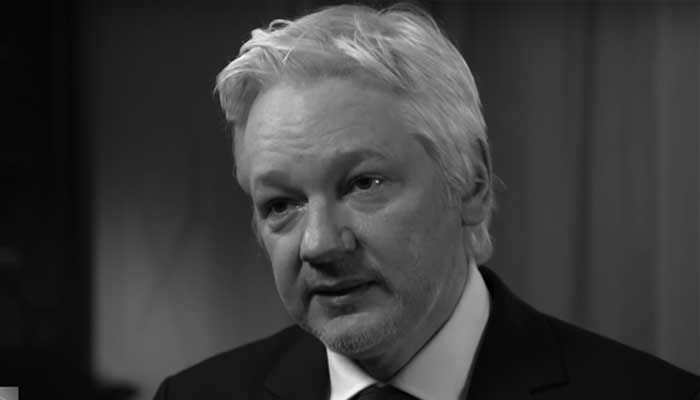 Four Days Before the Election, Julian Assange Comes Out of Hiding to Finish Hillary Forever!