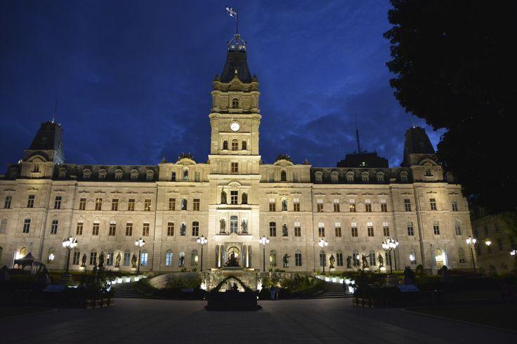 pots lumineux Assemblée Nationale vue d'ensemble