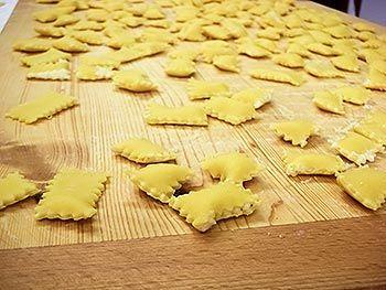 Quadrucci in brodo ripieni le ricette di cucina semplici for Ricette di cucina semplici