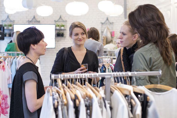 Redakcja Flesz w rozmowie z Magdą Hasiak projektantką i koordynatorką kolekcji Quiosque #qsq #fashion #work #stylist #press #MagdaHasiak