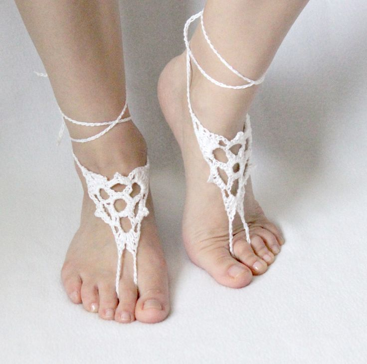 have a new pattern to share! The summer is almost here so lets make this barefoot sandals : To make these you will need: Yarn (lac...