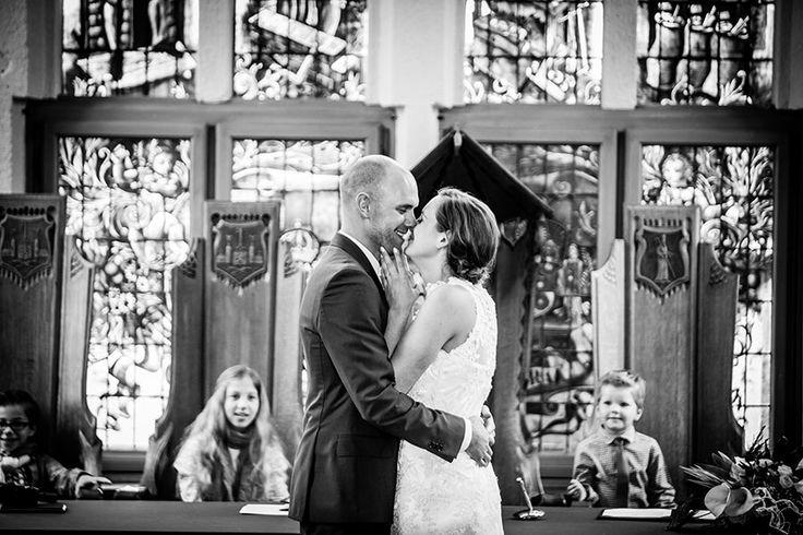 Eerste kus bruiloft Vught