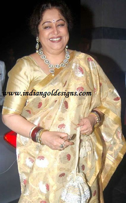 Kiron Kher- love her Saree. Description by Pinner Mahua Roy Chowdhury.